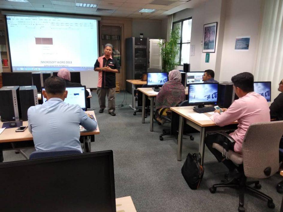 Kursus MsOffice Word di Kementerian Hal-Ehwal Ekonomi Putrajaya - trainer Che Wan Shamsul 1