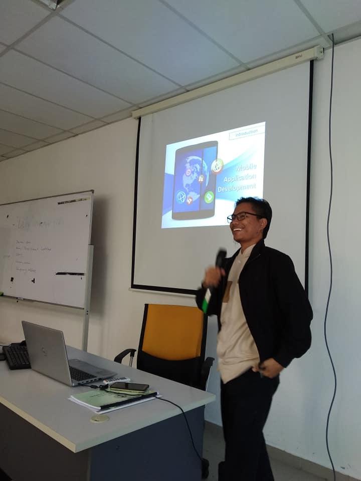 Kursus pembangunan mobile apps di UPNM