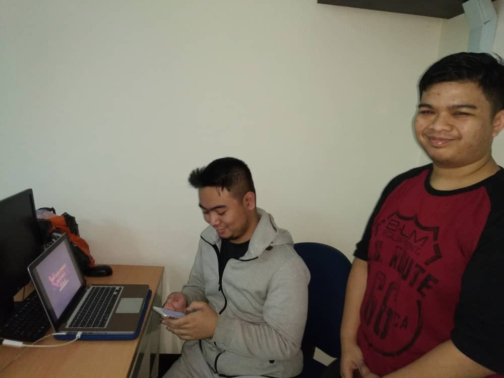 Kursus web HTML kerjasama FSTM BTM KUIS - trainers bro Firdaus & Arif dari KOFIXLABS