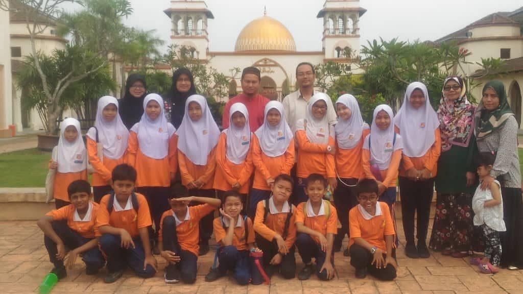 Kursus MSOffice Sekolah Kebangsaan Bandar Seri Putra - bersama trainer Che Wan Shamsul
