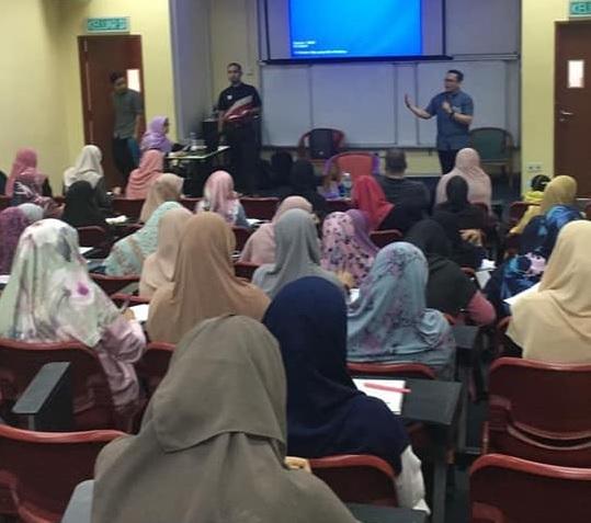 Trainer kursus kawalan media sosial anak-anak dan remaja, Saudara Muizz Salleh