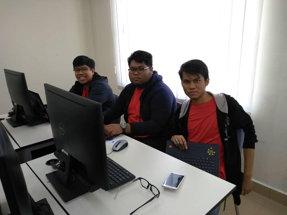 UITM CTF & Forensic Challenge 2019 Champion Cloud9 champs in action
